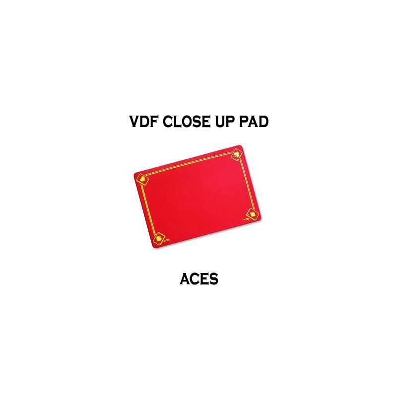 Tapis de Close Up 40X27 PRO VDF avec As - Medium- (Rouge) wwww.magiedirecte.com