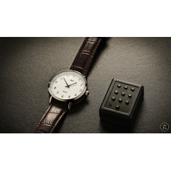 The Watch - White Classic (Gimmicks and Online Instructions) by Joao Miranda wwww.magiedirecte.com